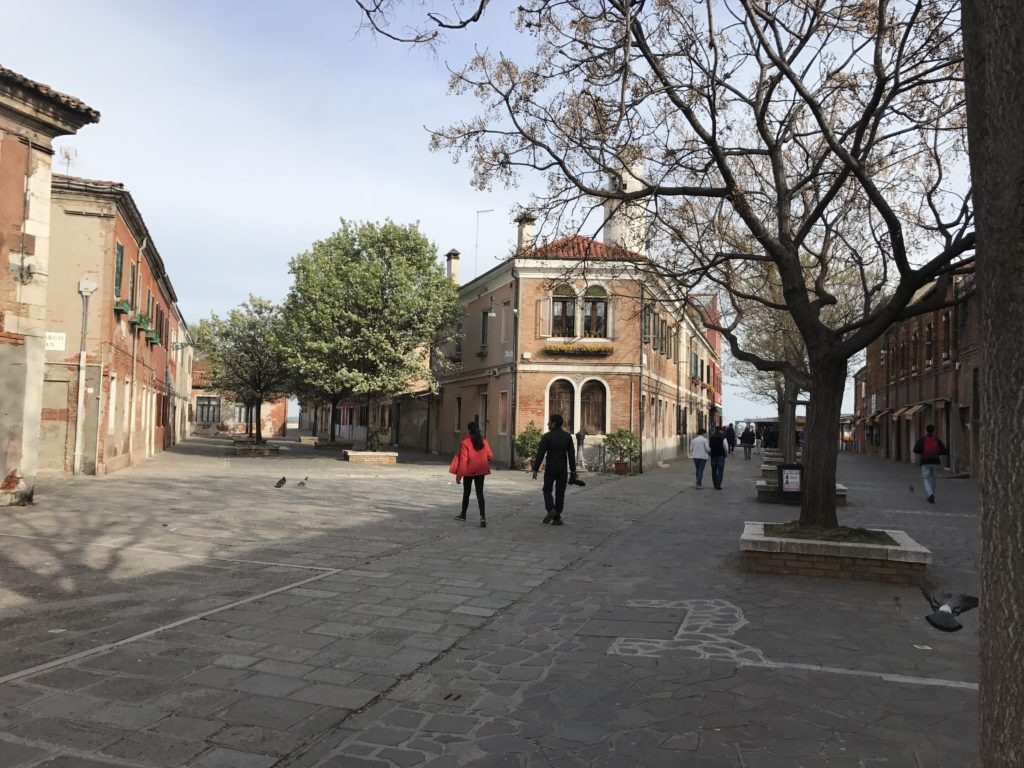It was a surprisingly quiet late afternoon in Murano, maybe tourists have left and residents are not hanging out yet.