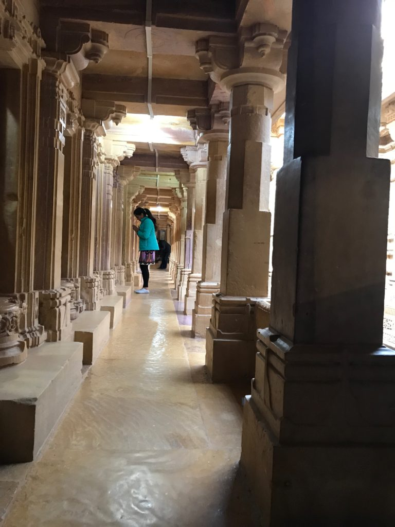 The pheri - walk around the Parsvnath temple, surrounded by hundreds of statues.