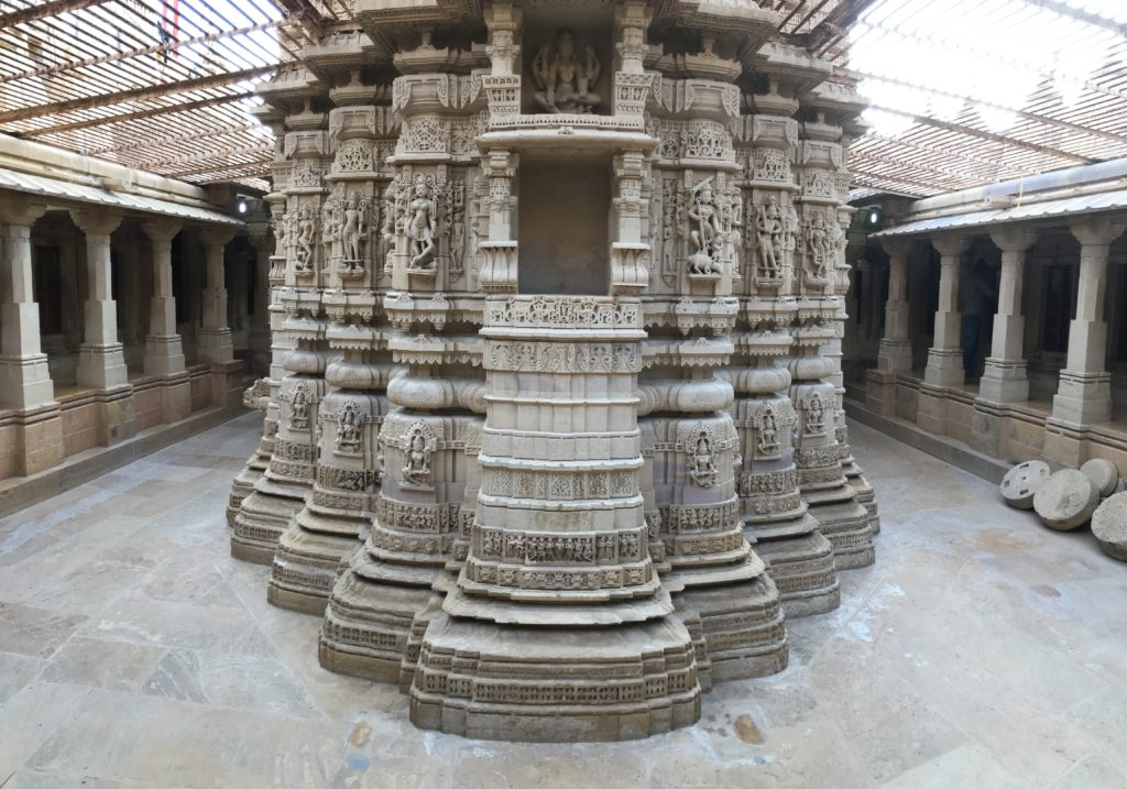 The pheri around Parshvnath bhagavan's temple is large and beautiful. Even the back of the temple is stunning with all the carvings