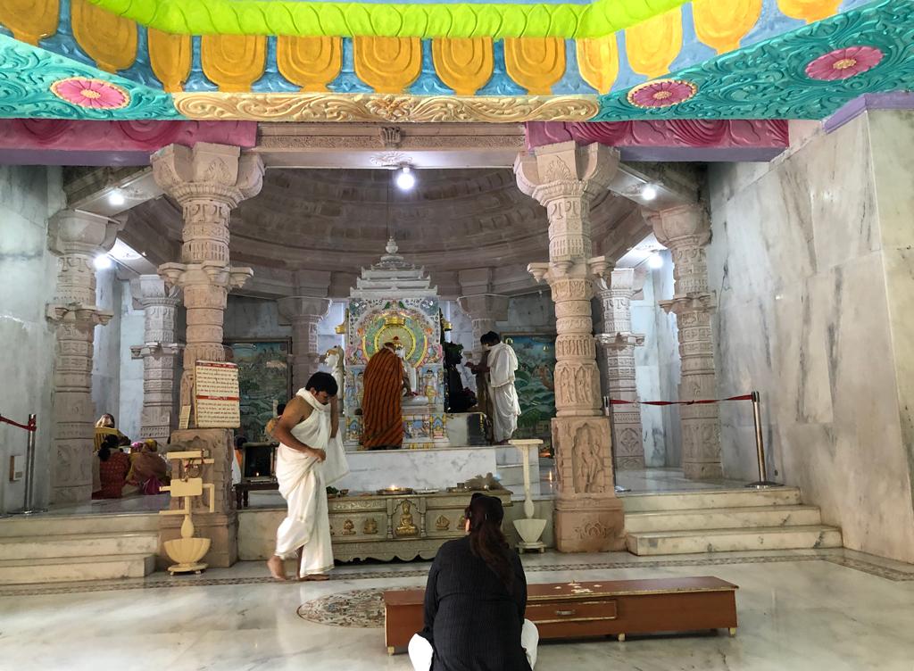 Some worshippers at Kulpakji Jain Swetamber temple.